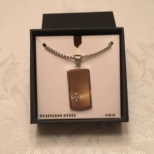 NWT - Men's dog tag style cross necklace